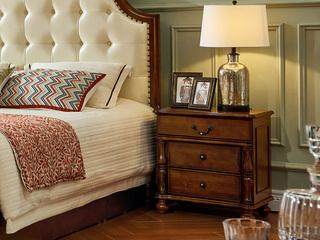美式床头柜
