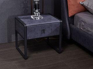 玛蒂芙 现代简约 科技布 板木结构 五金脚 蓝色 床头柜