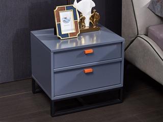 玛蒂芙 现代简约 油漆 板木结构 五金脚 灰色 床头柜